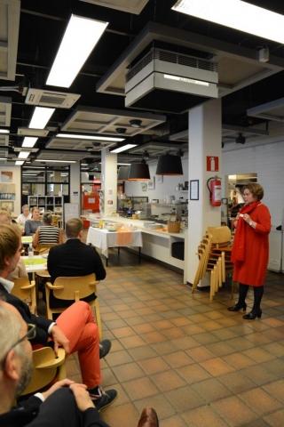 Toiminnanjohtaja Jaana Nuottanen tarjosi KoL:n sidosryhmätilaisuudessa virikkeitä hedelmälliseen yhteistyöhön.